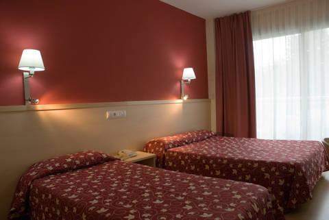 e2d5e-hotel-lloret-surf-mar--2-.jpg