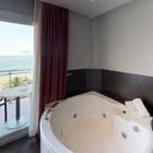 Suite - 10946-Suite-Hotel-Surf-Mar-Bathroom.jpg