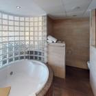 Suite Silver - dbff0-Silver-Suite-Hotel-Samba-Bathroom.jpg